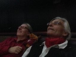 Wir geniessen im Treworgy Planetarium die Vorführung des Sternenhimmels.