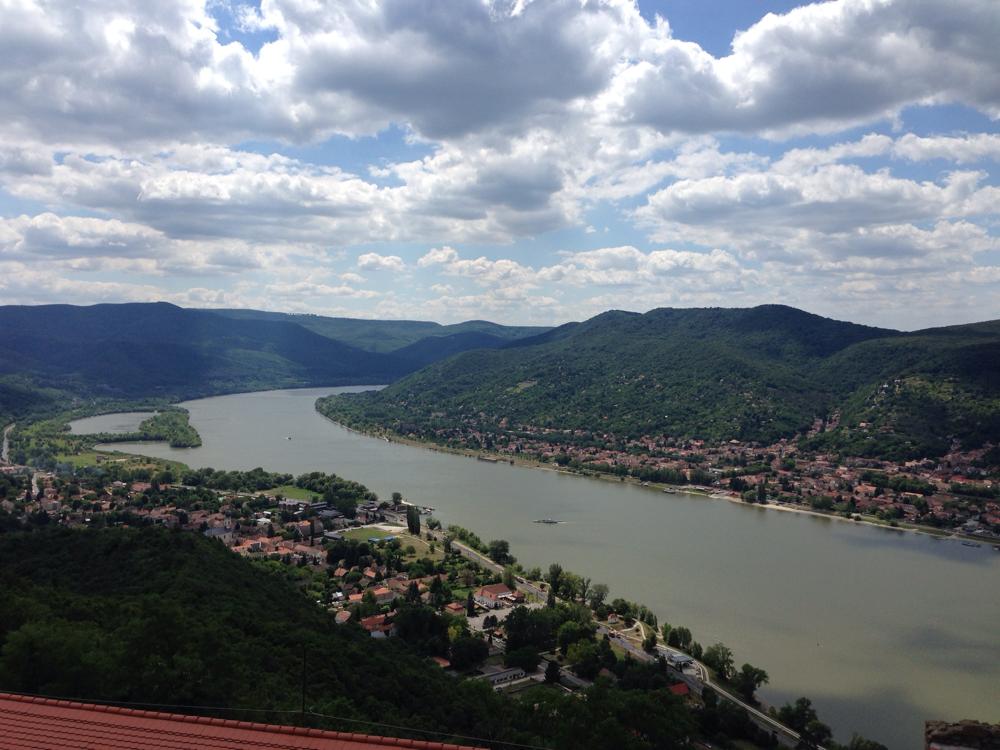 Blick von der Burg Visegrad hinunter in das Donautal