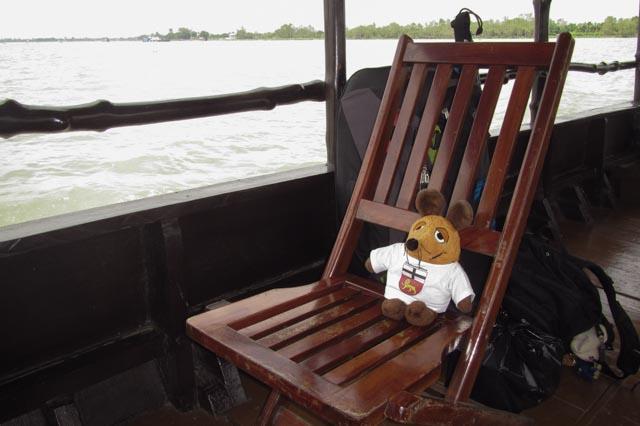 Ich geniesse die Bootsfahrt auf dem Mekong