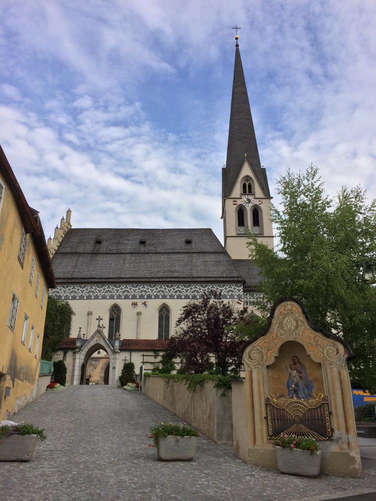 """Imst - berühmt für seine Kirchen und Brunnen und die """"Geburtsstätte"""" der SOS-Kinderdörfer"""