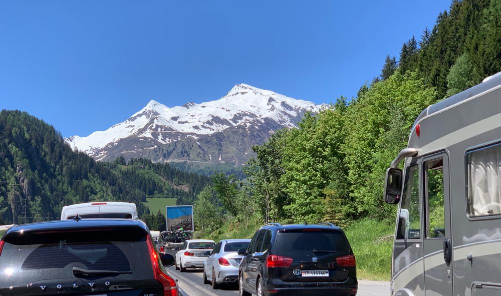 Eine letzte Impression unserer Wartezeit vor dem Gotthard-Tunnel