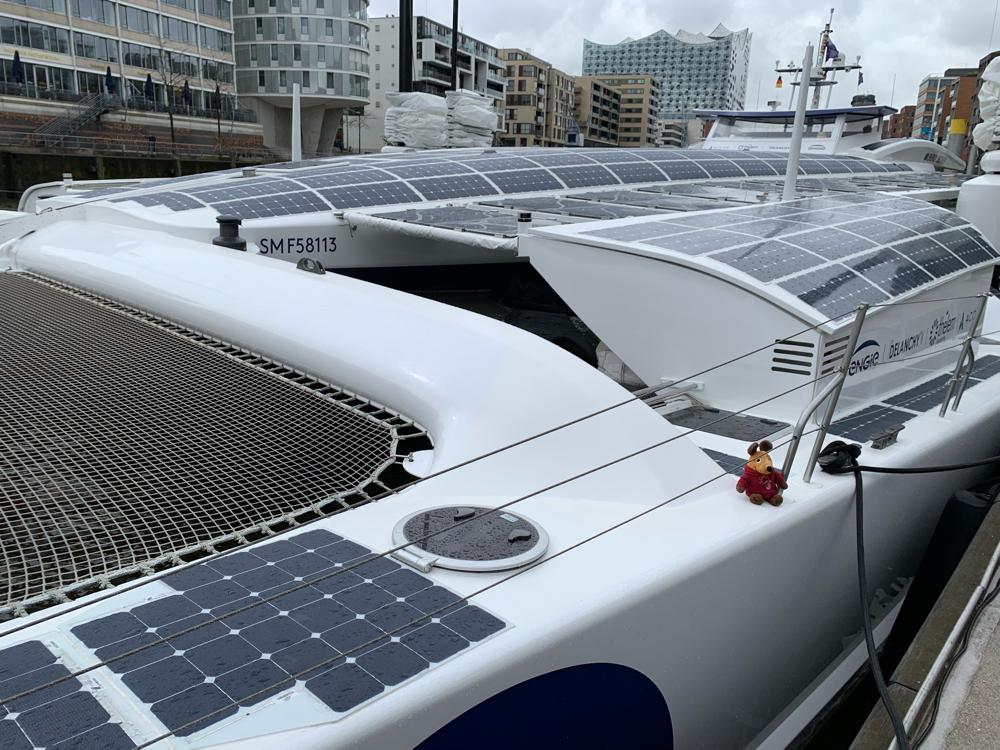 In der Hafencity fand ich dieses Schiff, welches ohne Emissionen und Umweltbelastung über die Weltmeere fährt