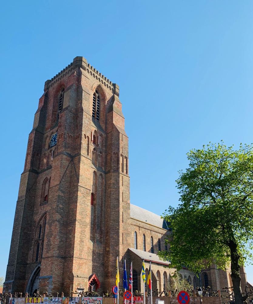Die mächtige Kirche von Lissewege
