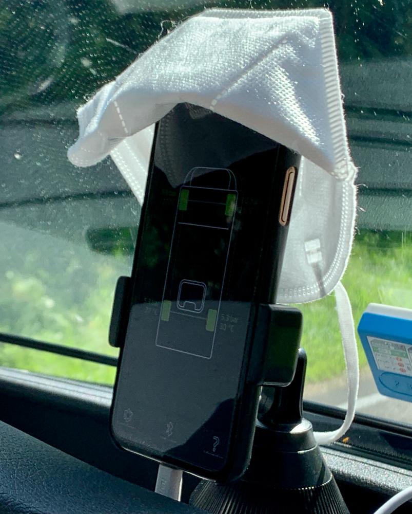 FFP2-Masken eignen sich wunderbar zum Schützen des Smartphones.