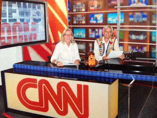 Die Greyhounds und die Maus vom WDR im Nachrichtenstudio von CNN.
