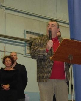Jean Paul Villemagne présentant un à un les 12 lauréats du stade saint germanois judo-club.