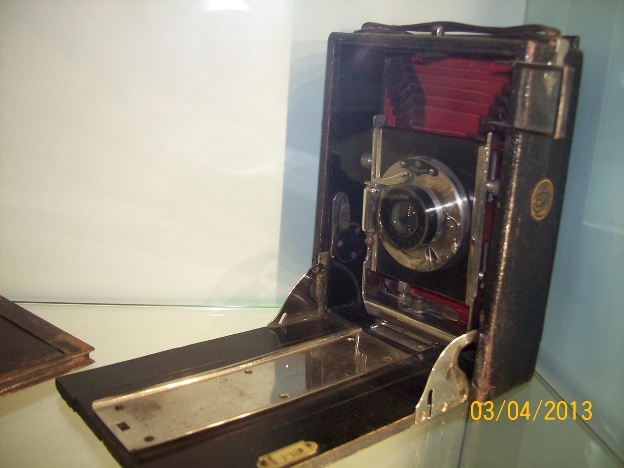 Перші переносні фотоапарати.