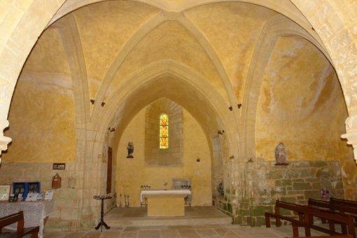 Lestards, intérieur de l'église, Clédat, correze, village abandonné, visite, randos, VTT, dos d'ânes, Cheval, fête des roses, cocquelicontes, fête du pain, maquis,
