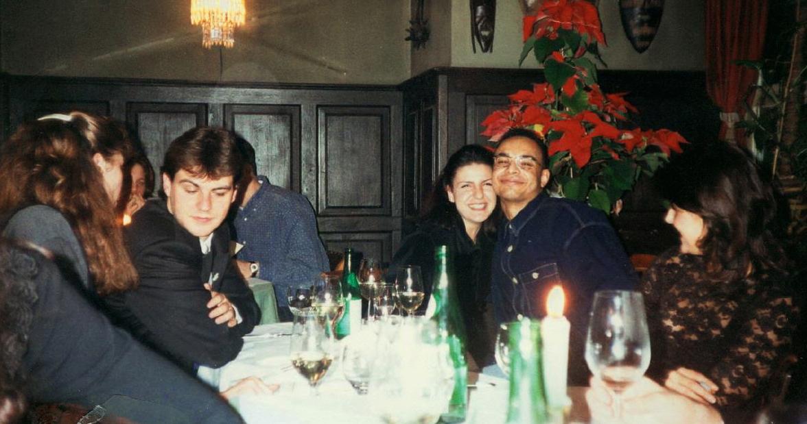Die Moderatoren (von links) Wolfgang Danner, Ebru und Ibi Grundner auf der 89 HIT FM Weihnachtsfeier.