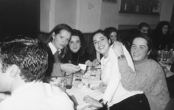 Jovens em Estugarda, 1998