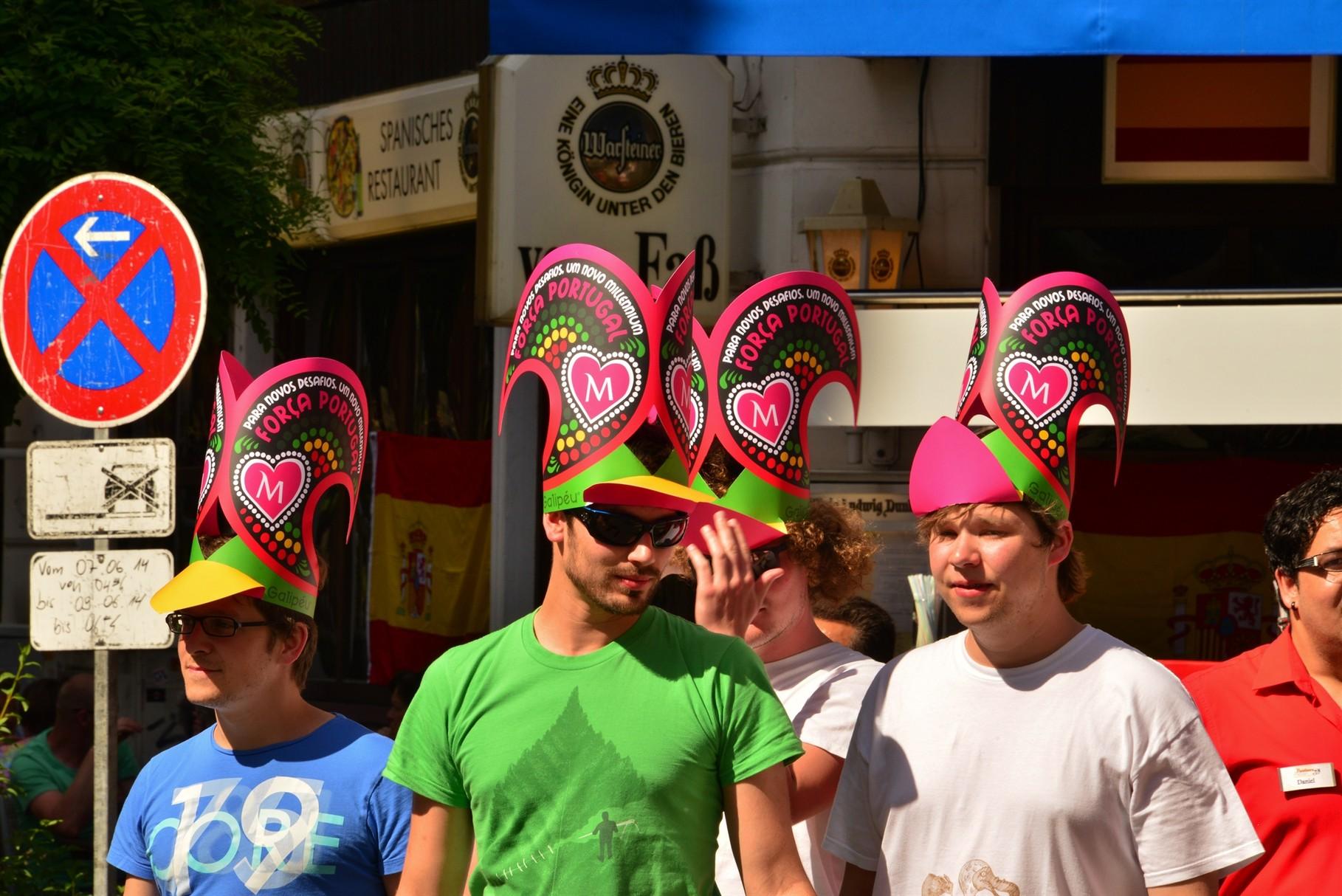 "Festejos, gastronomia e programa cultural no ""Portugiesenviertel"" (Foto: Glyn Lowe)"
