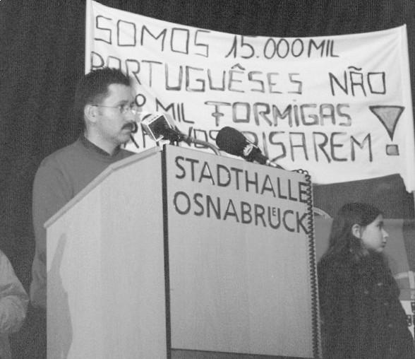 Manifestação contra o encerramente do  Consulado em Osnabrueck, 2002