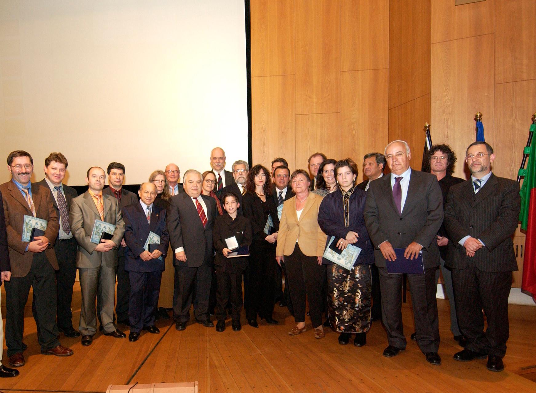 Plateia durante a cerimónia das  comemorações dos quarenta anos da Comunidade portuguesa da Alemanha em Berlim, 2004