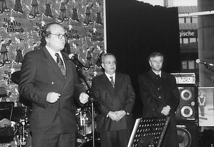 José Lello, Secretário de Estado das Comunidades Portuguesas, num encontro nacional de jovens em Estugarda, 1998