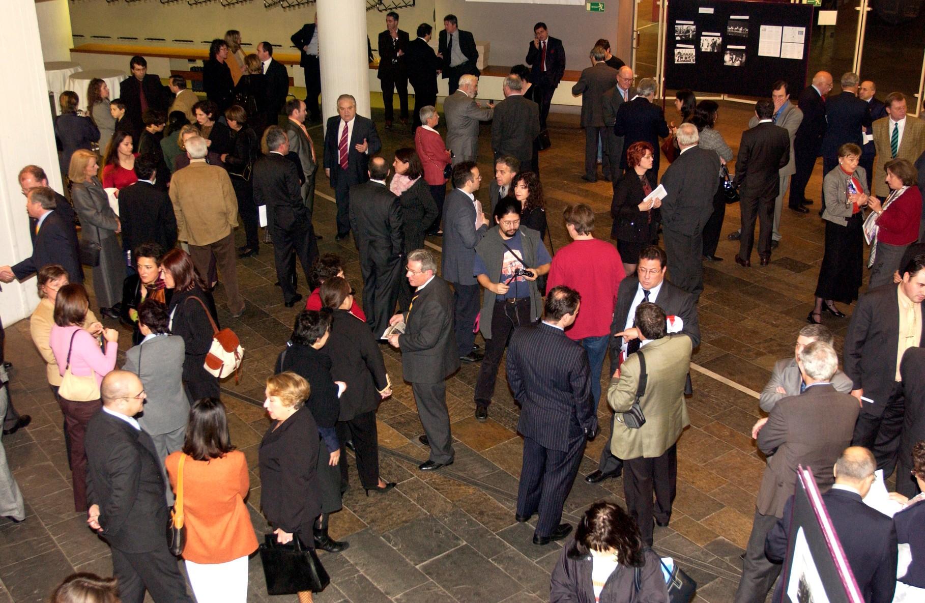 Aspecto do público nas comemorações dos quarenta anos da Comunidade portuguesa da Alemanha em Berlim, 2004
