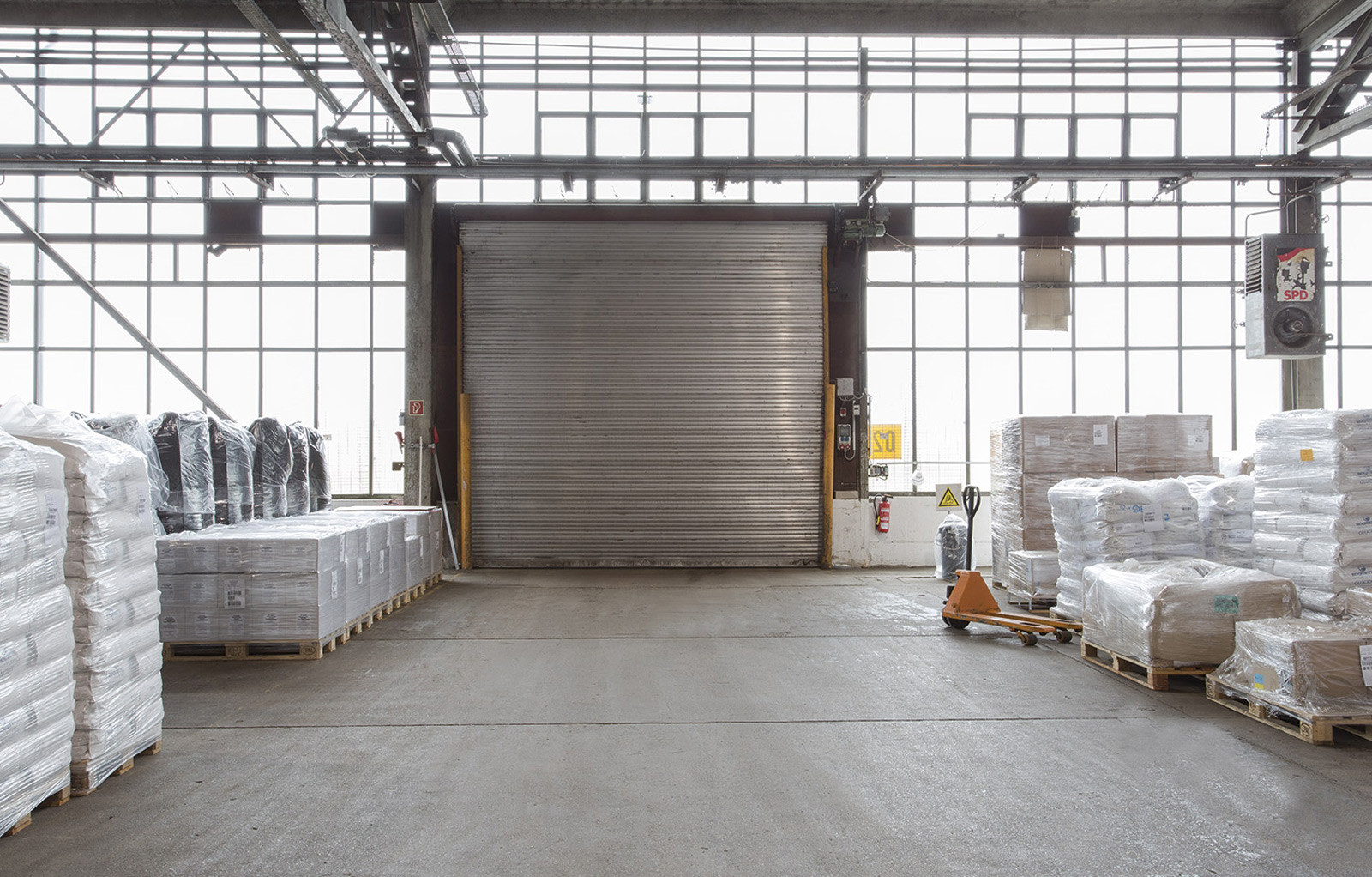 Industriepark Tangermünde Halle 1 Rolltor