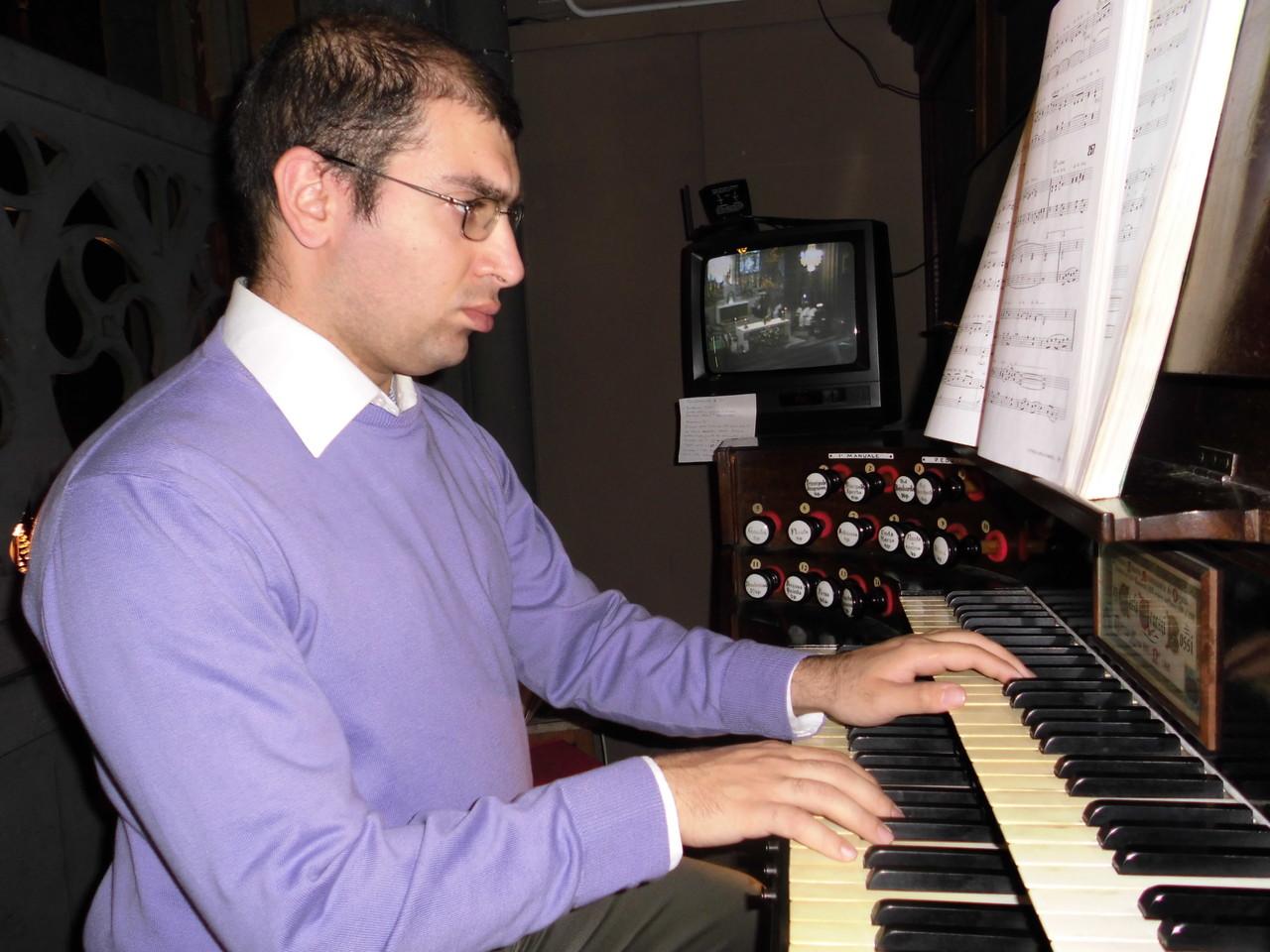At the organ of Santa Giulia Church, Torino (IT)