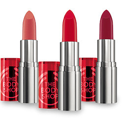 Colour Crush Red lipsticks € 12,00 The Bodyshop