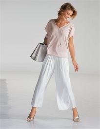 Beschwingt mit einer leichten Bluse in soften Farben von Madeleine online