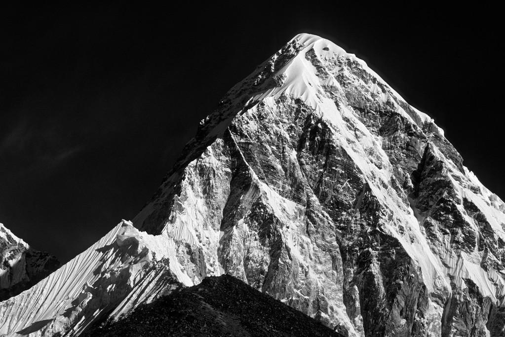 Pumori  7145m  mit Kala Pattar  5545m