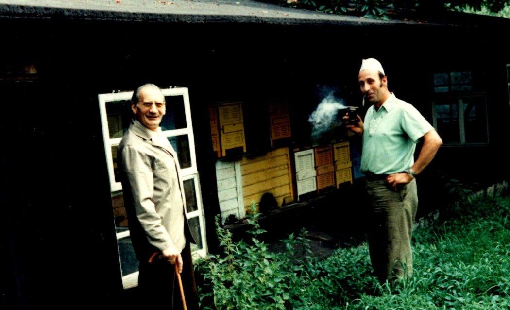 Imkerei Heynitz mit Vater und Sohn Goldammer, 1977, Foto: W. Goldammer