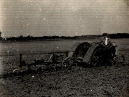 Maschineneinsatz in Robschütz, 1926, Foto: Nachlass Karl Bosse