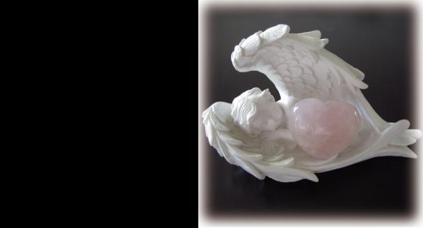 天使が恋の石ローズクウォーツを抱いたかわいい小物