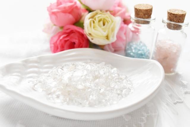 パワーストーン・天然石ブレスレットを最強パワーのヒマラヤ産水晶で浄化いたします。