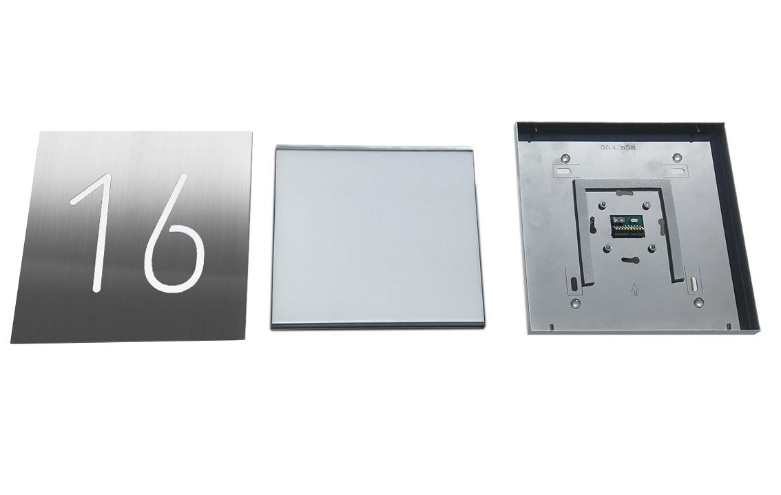 Die beleuchteten Hausnummern und Piktogramme sind 3-teilig aufgebaut: