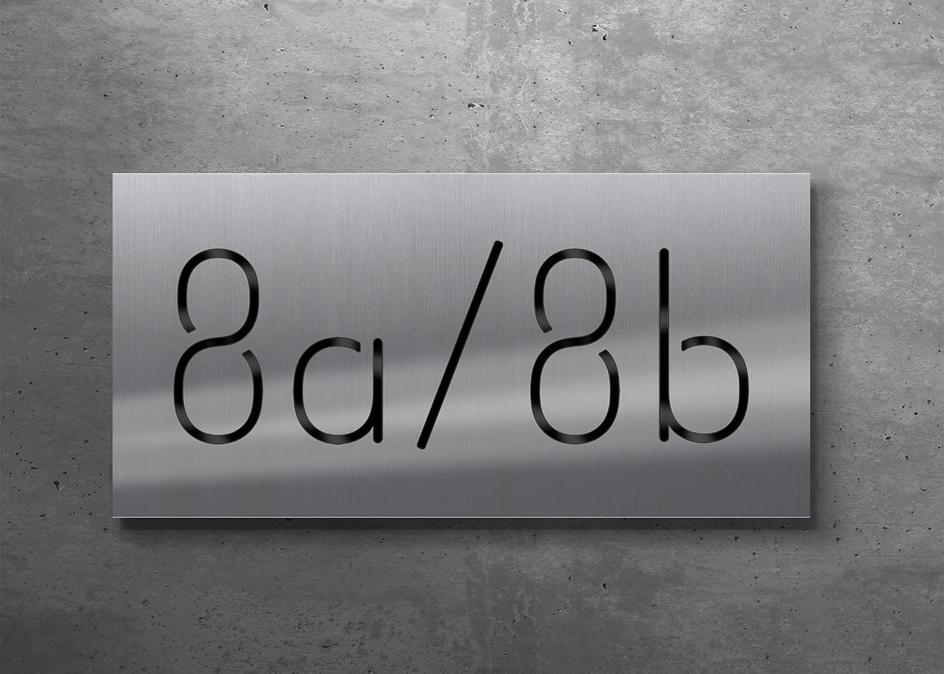 Das neue Spezialglas: tagsüber sind die Ziffern schwarz kontrastiert ...