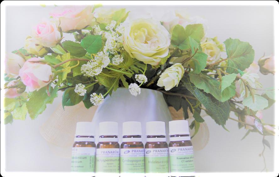 エナジーローズ:店内メインの花と精油の写真