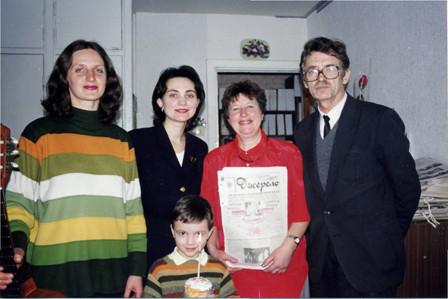 2000 р. Оксана Ігнатенко, Наталя Білокриницька із сином Артемом, Зоя Марчишина, Олесь Завгородній