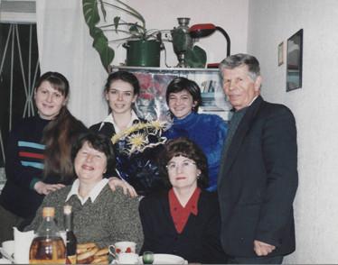 2004 р. Ольга Івасенко, Юлія Гуріна, Наталія Явон, Віктор Начиняний, Зоя Марчишина, Жанна Дубровська
