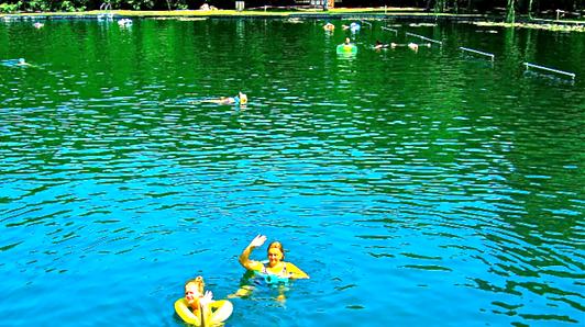 водные процедуры в термальном озере Хевиз