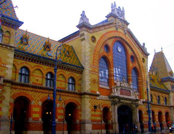 Внешний вид здания будапештского центрального рынка