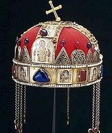 Корона Святого Иштвана