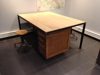 Bureau sur mesure avec meubles à clapets vente mobilier et meuble
