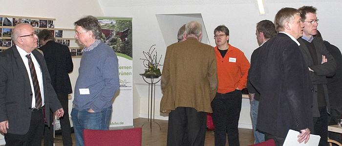 Viel Austausch: Pausengespräche bei der Jahrestagung der Heimvolkshochschulen in Niedersachsen.