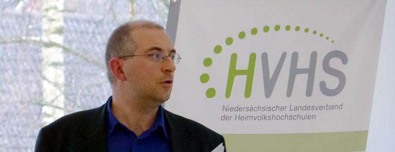 Dr. Falco von Ameln berichtet die Ergebnisse der HVHS Studie