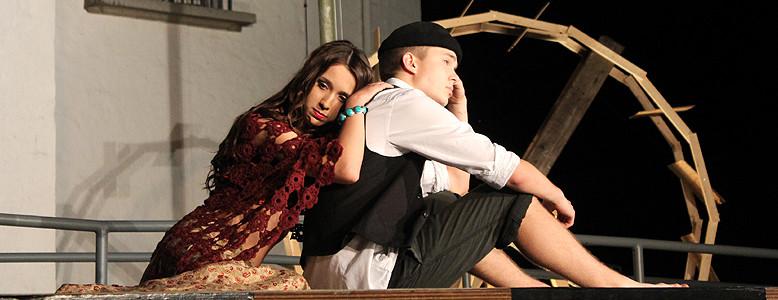 Theaterprojekt mit Jugendlichen - Szene aus der Aufführung, Tagungshaus Bredbeck 2014
