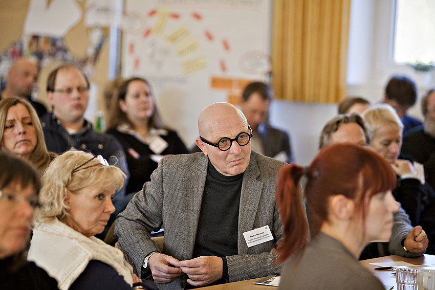 Aufmerksamer Zuhörer: Hans Weinert, Geschäftsführer des Vereins Niedersächsischer Bildungsinitiativen (VNB).
