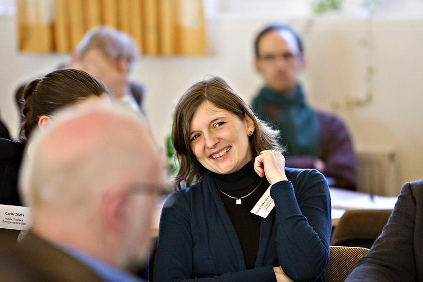 Mit Freude auf Kommendes: Franziska Birke-Bugiel vom Haus Ohrbeck, HVHS in Georgsmarienhütte. Später berichtet die Expertin für frühkindliche Bildung über das Kooperations-Projekt 'selbst sicher lernen'.