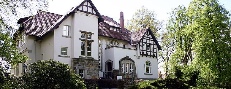 """Das """"Landhaus"""" - eines von acht Gebäuden der HVHS Hustedt."""