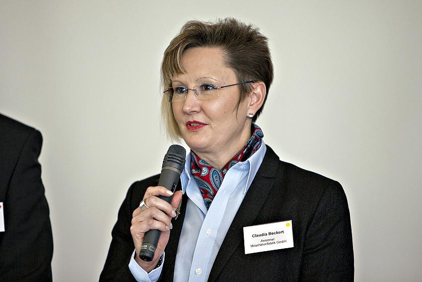 'Viele fragen sich nach vier, fünf Jahren im Beruf: Schaffe ich ein Studium noch? Da wäre es gut, Angebote zu haben, die Ängste nehmen', meint Claudia Beckert, Personalchefin der Aerzener Maschinenfabrik.