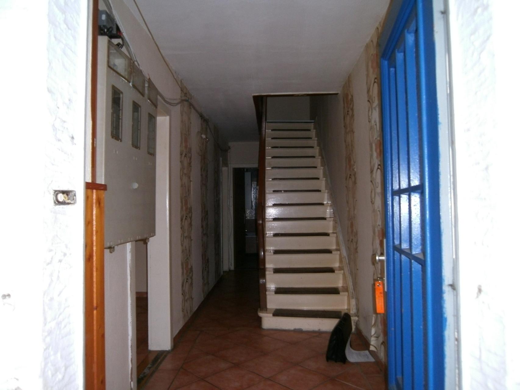 Treppenhaus vorher...