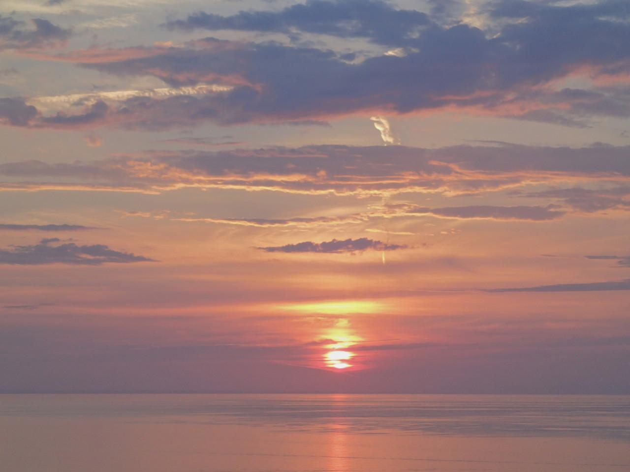 Sonnenaufgang - und das aus Balkonsicht!