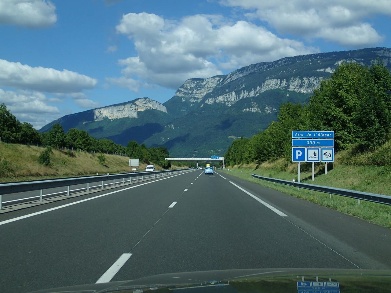 """…in der Schweiz! Unverkennbar an den umliegenden """"Hügeln"""" zu erkennen."""