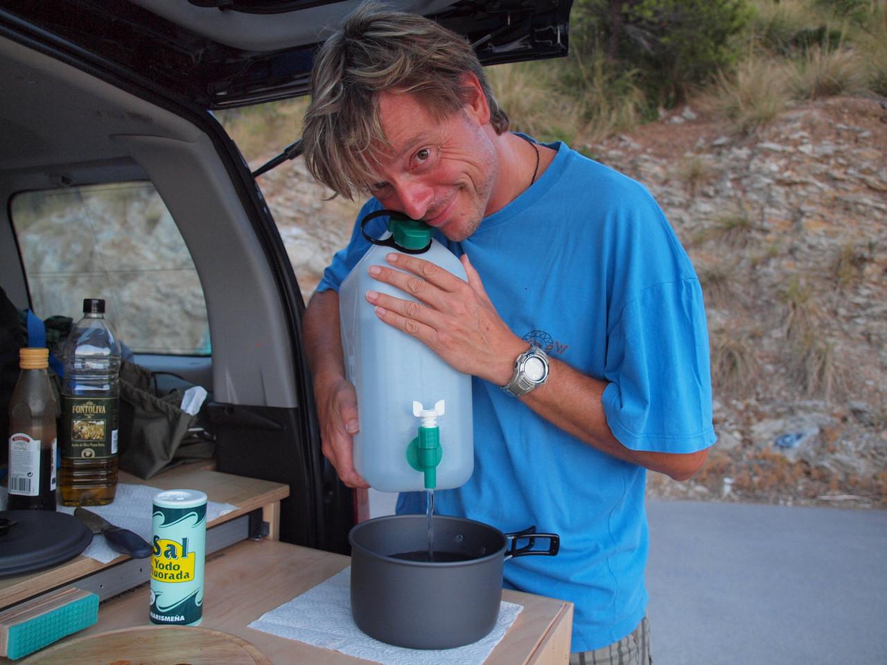 …und auch der Wasserkanister gibt sein Bestes!