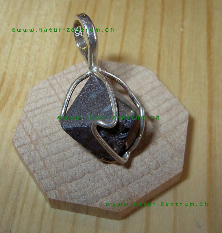 Magnetit in Silberfassung