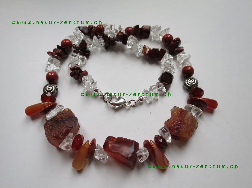 Cristal de roche, Jaspe, Cornaline